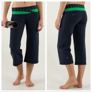 Lululemon Dharana Crop Pants Cinch Hem Navy SZ 12